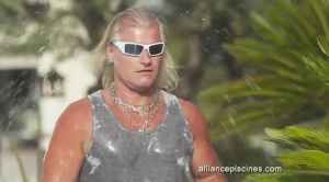 Philippe Lucas dans la pub télé ALLIANCE PISCINES de TVLowCost